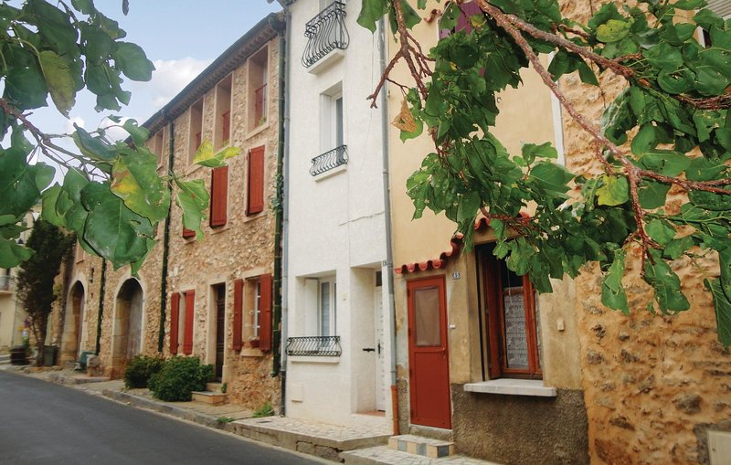 Nice home in Fitou with 3 Bedrooms (FLA097), holiday rental in Salses-Le-Chateau