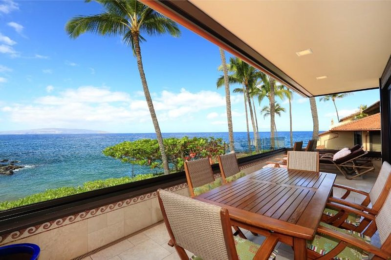 Gorgeous Remodeled Ocean Front Condo - Makena Surf Resort G-206, aluguéis de temporada em Makena