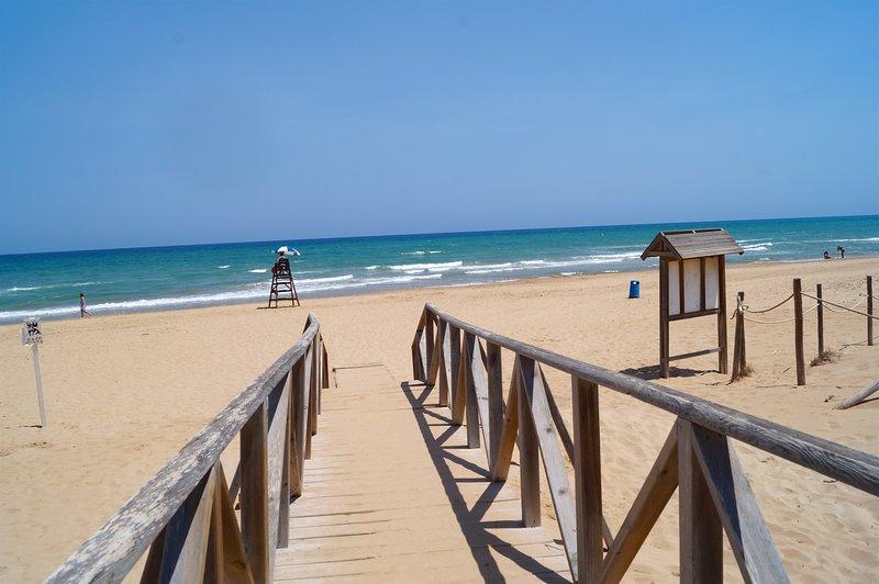 Alicante - Guardamar del Segura - maison avec piscine a 700m de la plage, alquiler vacacional en Guardamar del Segura