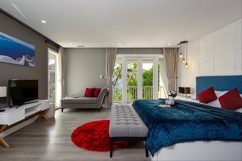 OCHIC Villa Danang City Near Han River - Dragon Bridge - My Khe Beach - Airport, casa vacanza a An Hai Tay