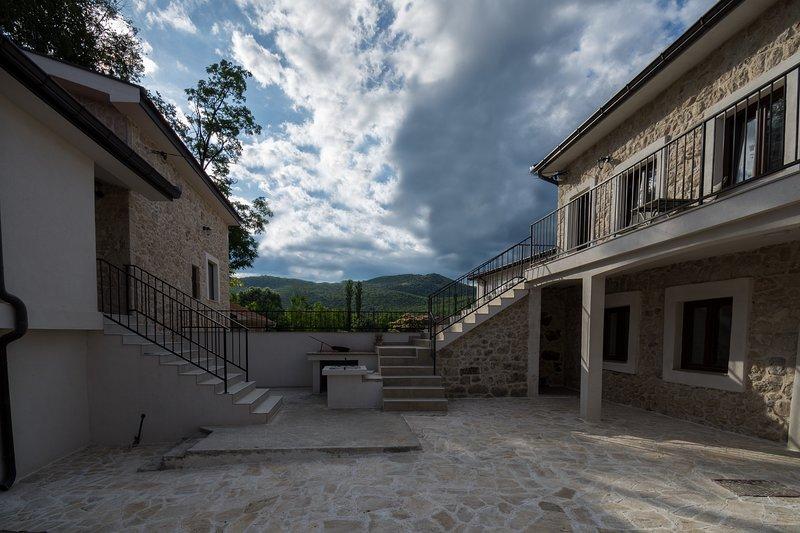 Stara kuca Estate- Studioapartment Branka, holiday rental in Otric-Seoci