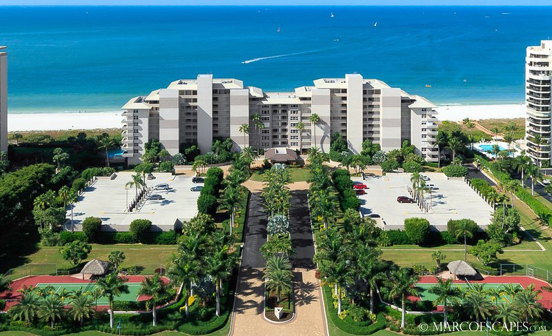 SOMERSET 506 - Weekly Beachfront Vacations Permitted!  New for 2019!, alquiler de vacaciones en Isla Marco