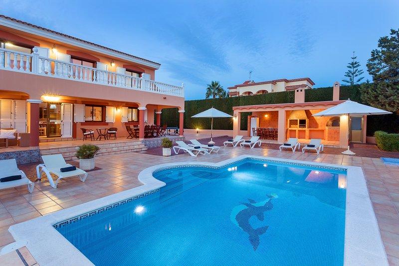 Villa in Ibiza Town, sleeps 12 - Villa Tino, vacation rental in Nuestra Senora de Jesus