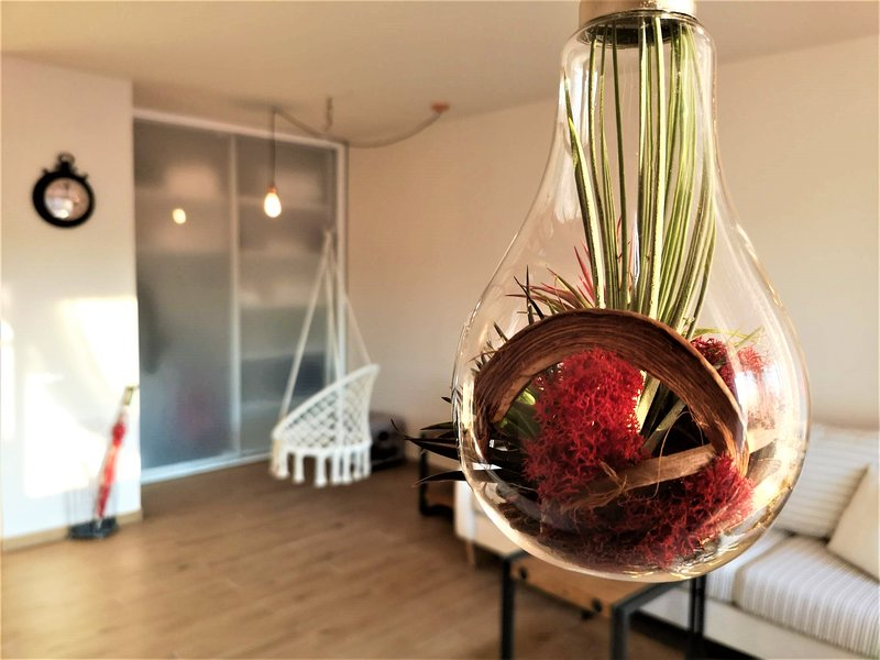 Ruby Globe Apartment, vacation rental in Bucharest