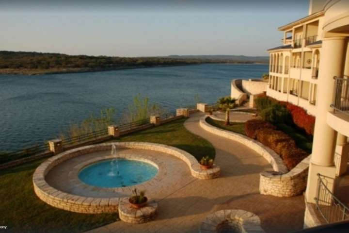 Unwind at Casa Oasis! There's plenty of amazing views of Lake Travis at The Island.