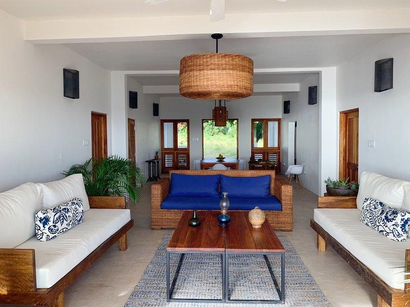 Kotch Oceanfront Two Bedroom Villa, holiday rental in Malvern
