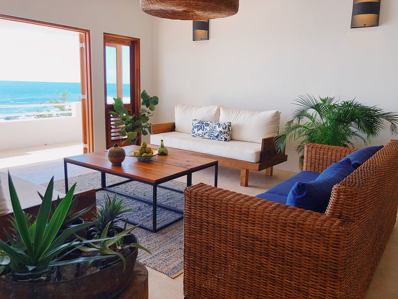 Three Bedroom Oceanfront Ecoluxe Haven, holiday rental in Malvern