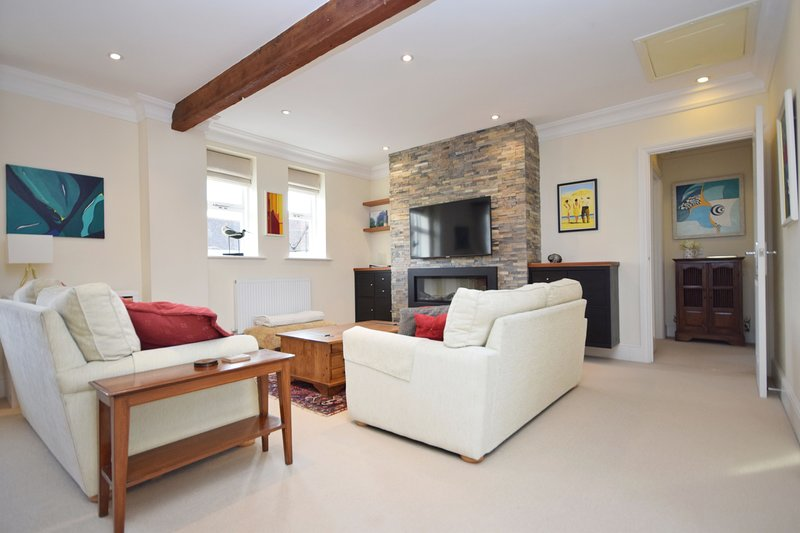 8 Angel Yard, Midhurst, holiday rental in Haslemere