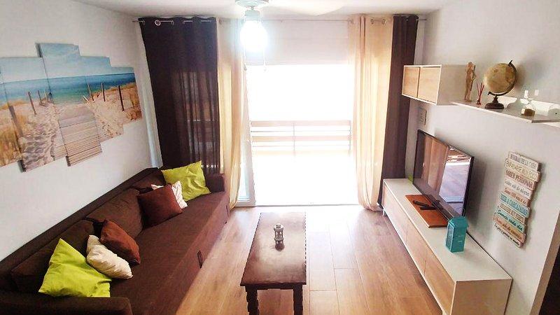 (#1) Primera línea, piscina, WiFi, pistas de padel, Netflix y más!, holiday rental in Mutxamel