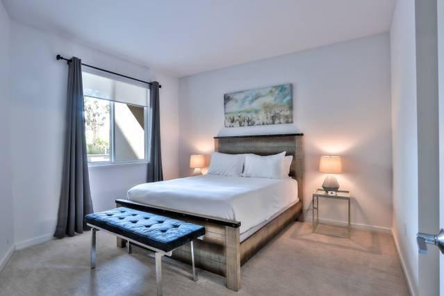 Sovrum med queen size-säng + färskt lakan