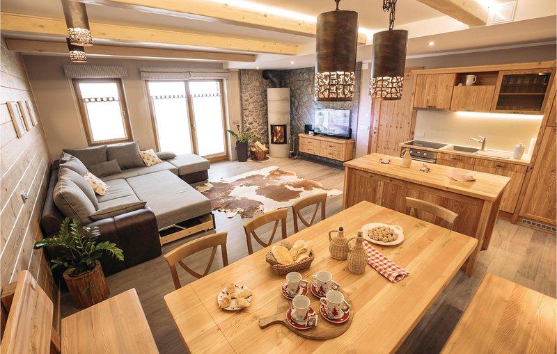 Amazing home in Cerkije na Gorenjskem with WiFi and 2 Bedrooms (SGR146), alquiler vacacional en Kranj