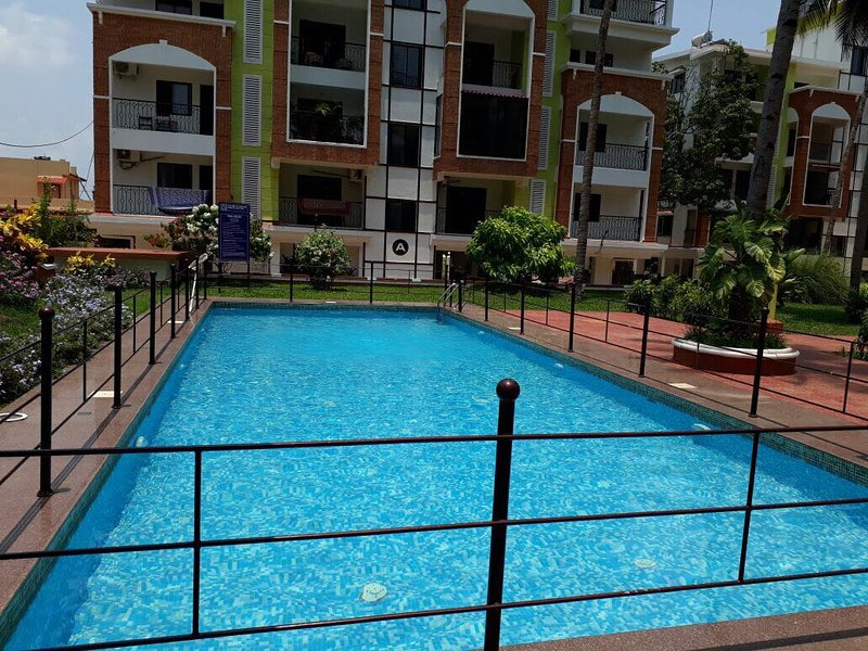 Apartments With Pool In Candolim Goa, holiday rental in Sinquerim