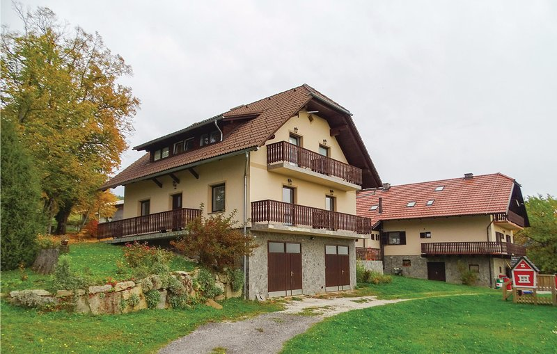 Amazing home in Zrece with WiFi and 2 Bedrooms (SSR150), holiday rental in Carinthia Region