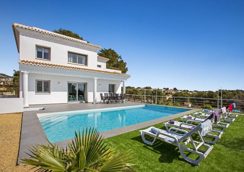 Villa Vallesa - Modern villa (new construction) with private pool in Calpe, alquiler de vacaciones en Calpe