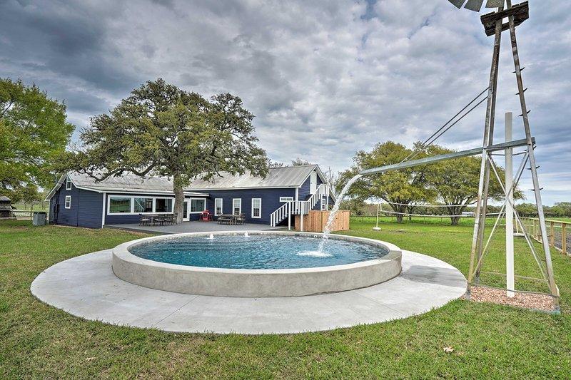 Updated Farmhouse, The Gathering at Mulberry Creek, location de vacances à Schulenburg