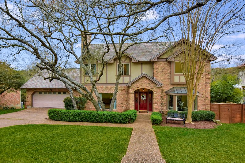THE AUTHENTIC TUDOR HOME AUSTIN, holiday rental in West Lake Hills