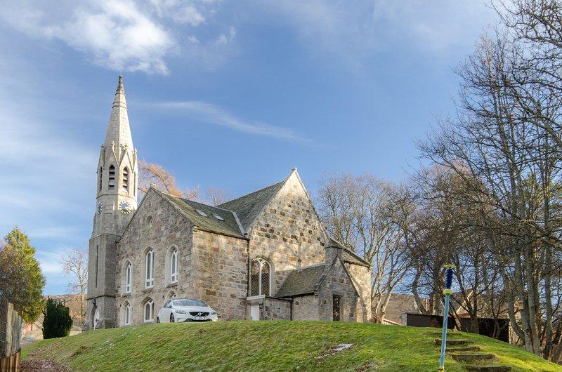 Braemar Apartment - Converted Church 2 bedroom apartment in highland Braemar, Ferienwohnung in Aberdeenshire