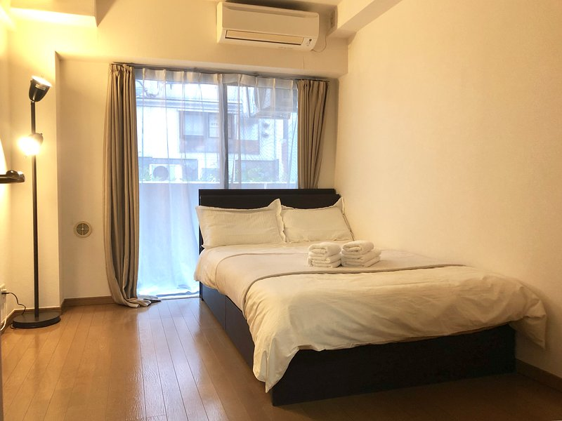 SHIBUYA COZY FLAT SCRAMBLE CROSSING & 109 6 MINS WALK!, holiday rental in Shibuya