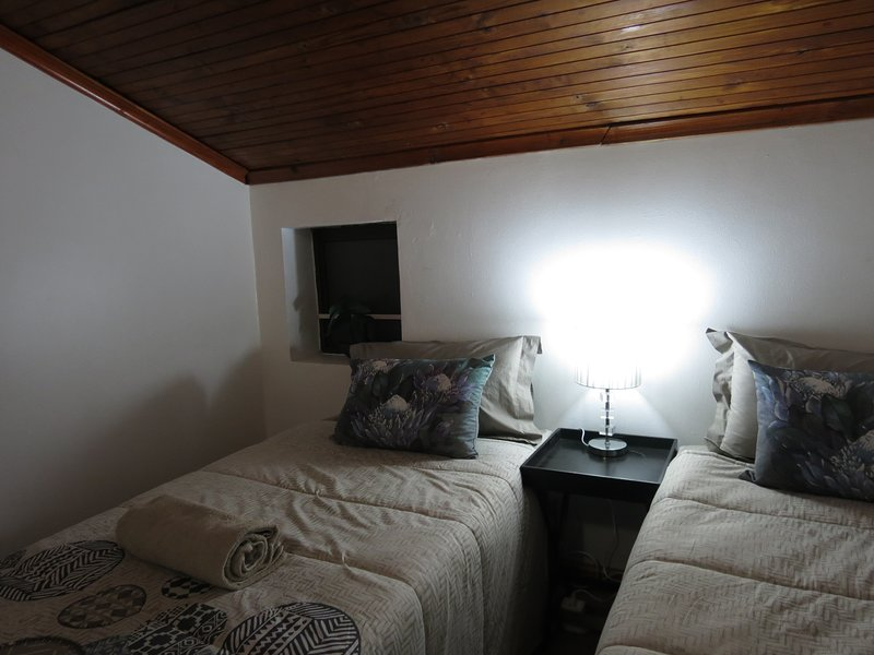 Deluxe Double Bedoom with Shower in Three Spruce, holiday rental in Durbanville