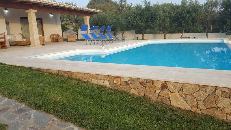 Zwembad aan de zijkant