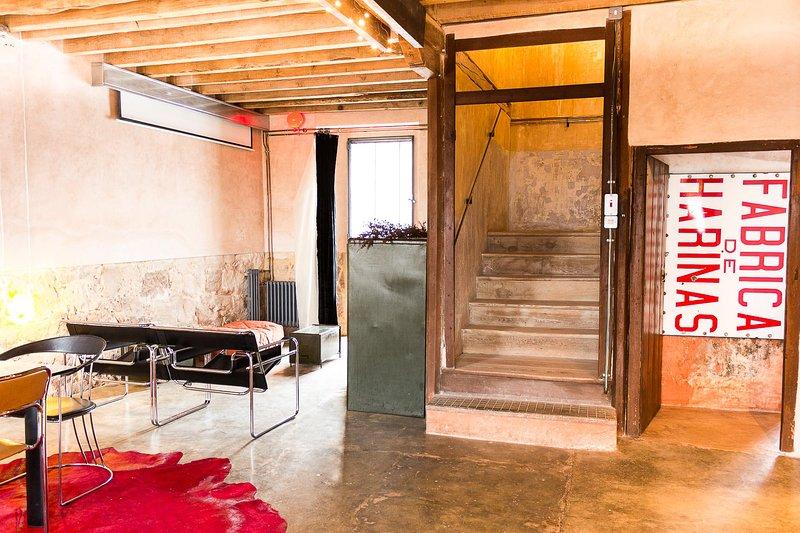Casa Rural La Abacería en Soria. Diseño exclusivo y confort insuperable., vacation rental in Atienza