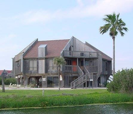 CH3 is located on the beach on an island surrounded by a lagoon. Beautiful,, location de vacances à Matagorda
