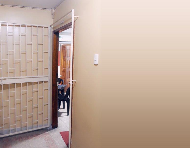 Dpto_Studio (Independiente con baño y A/C), holiday rental in Samborondon
