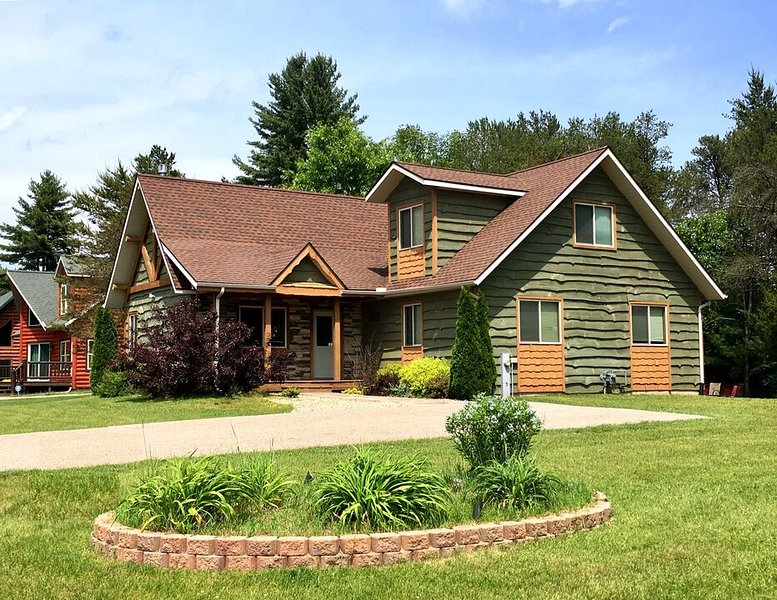 Loose Moose at Spring Brook Resort | Ideal Family Getaway | Close to Clubhouse – semesterbostad i Wisconsin Dells