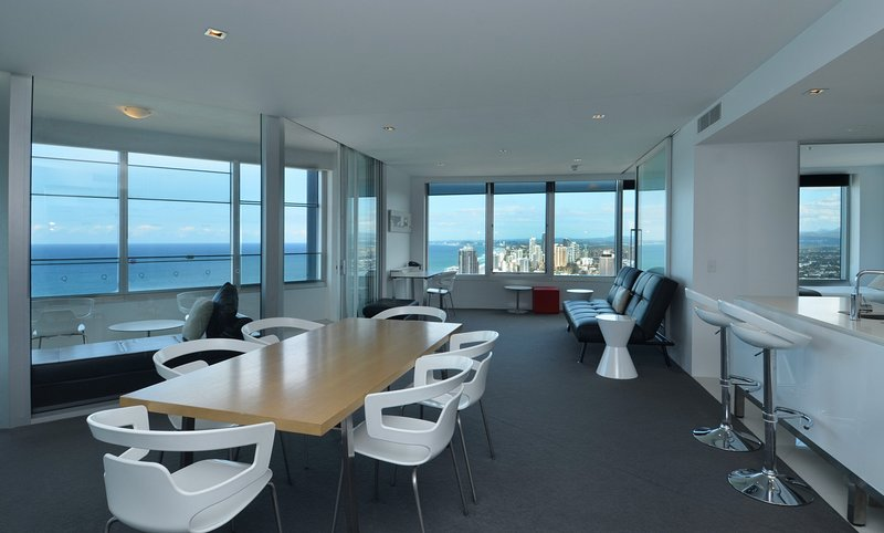 GCHR Apartment 4204 Apt 4204 - Level 42 Skyhome, 2BR Luxury Apt, location de vacances à Surfers Paradise