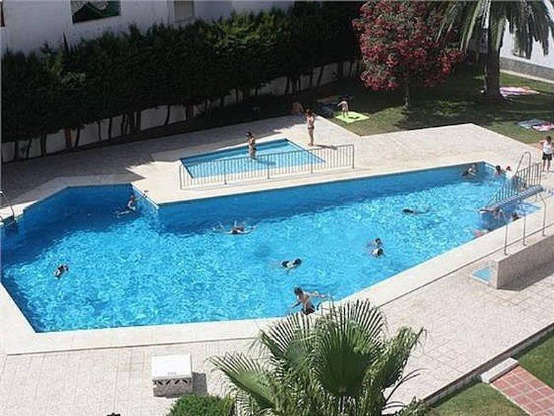Nice apartment with shared pool, aluguéis de temporada em Torre del Mar