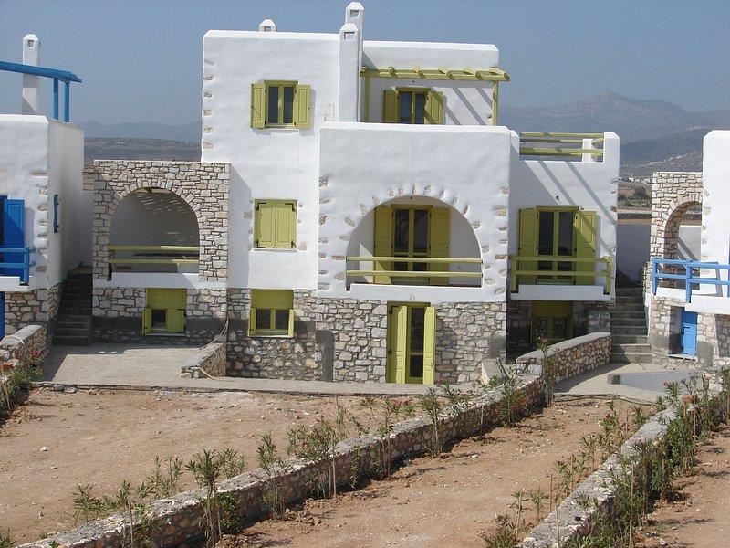 Archipelagos Villas - Villa Syros for 8 with pool, aluguéis de temporada em Santa Maria