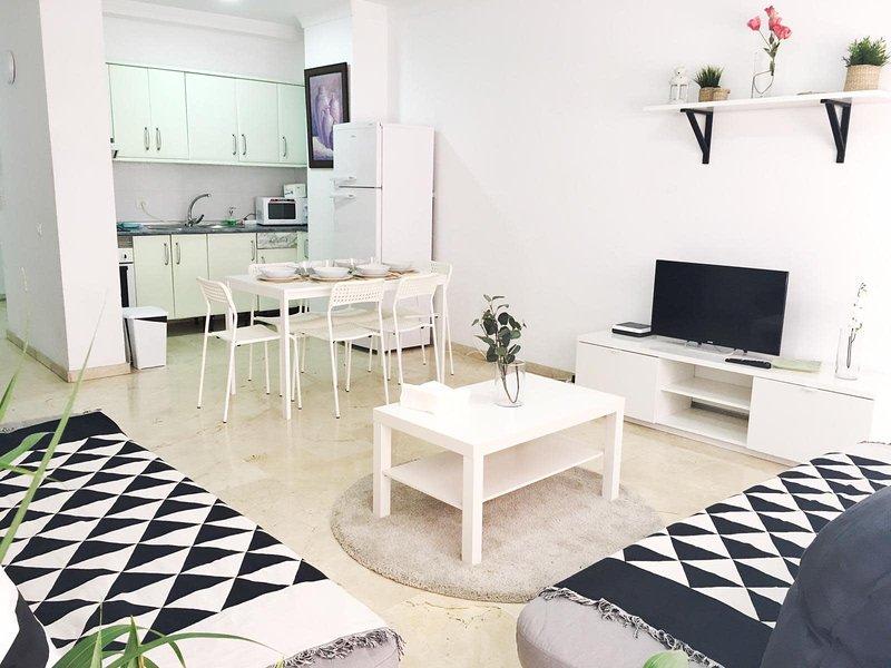 Sagasta Beach Apartment IV by Canary365, vacation rental in Utiaca