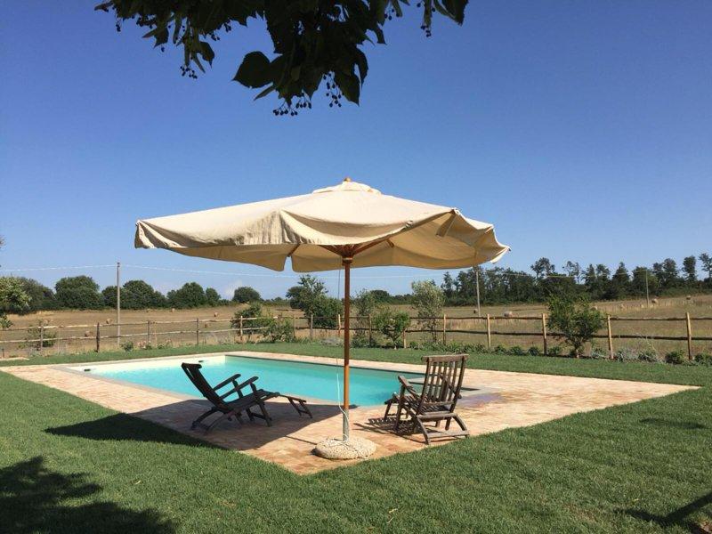 LA GHIGA FARMHOUSE, vacation rental in Monterosi