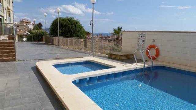 Luxury 2 Bed, 2 Bath Apartment. Fantastic Central Location, Wi-Fi, Pets, Air Con, vacation rental in Mazarron