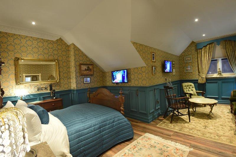 Aston Tavern Boutique Hotel- Family Room. 1 Double 2 Singles, casa vacanza a Tamworth