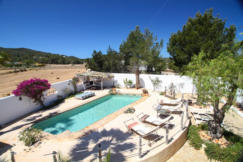Port d'es Torrent Villa Sleeps 10 with Pool and Air Con - 5689288, location de vacances à Port d'es Torrent