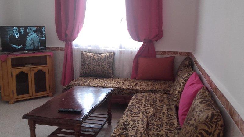 Appartement à Saket  avec vue mer & port, holiday rental in Bejaia Province