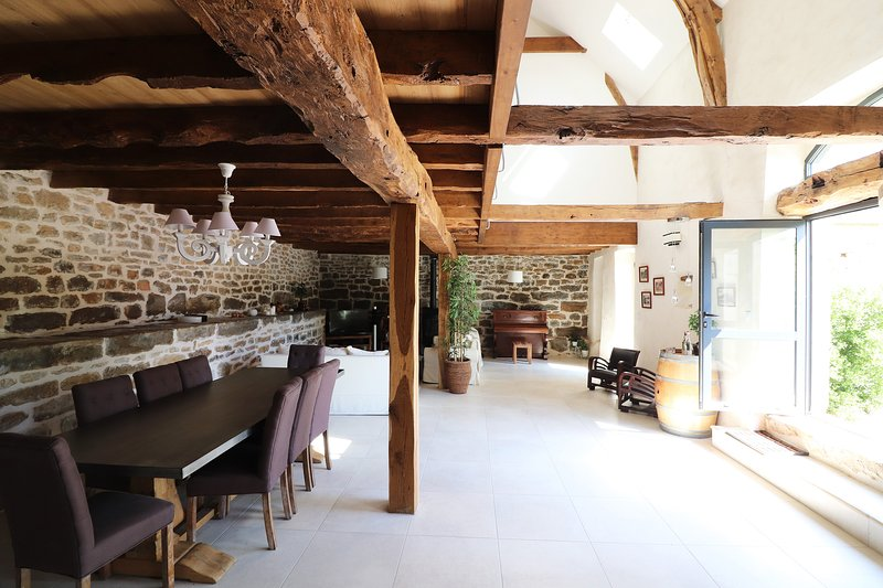 Amazing house in Thégra & Wifi, holiday rental in Rignac