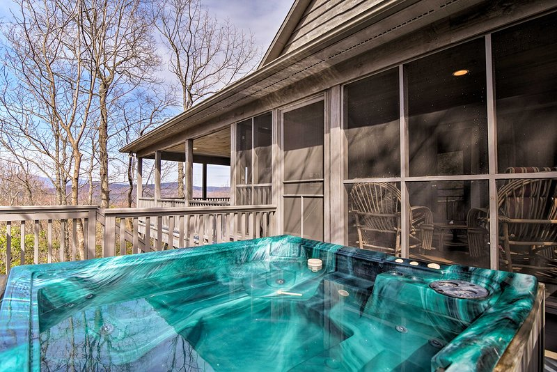 Soak in the hot tub while enjoying the views of the Blue Ridge Mountains!