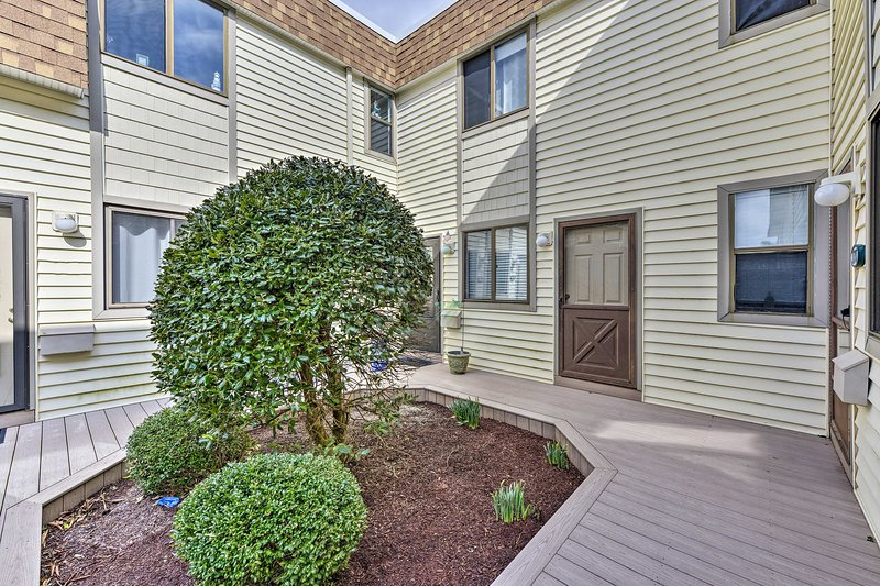 The 3-bedroom, 2-bathroom condo for 8 is walking distance from the beach!