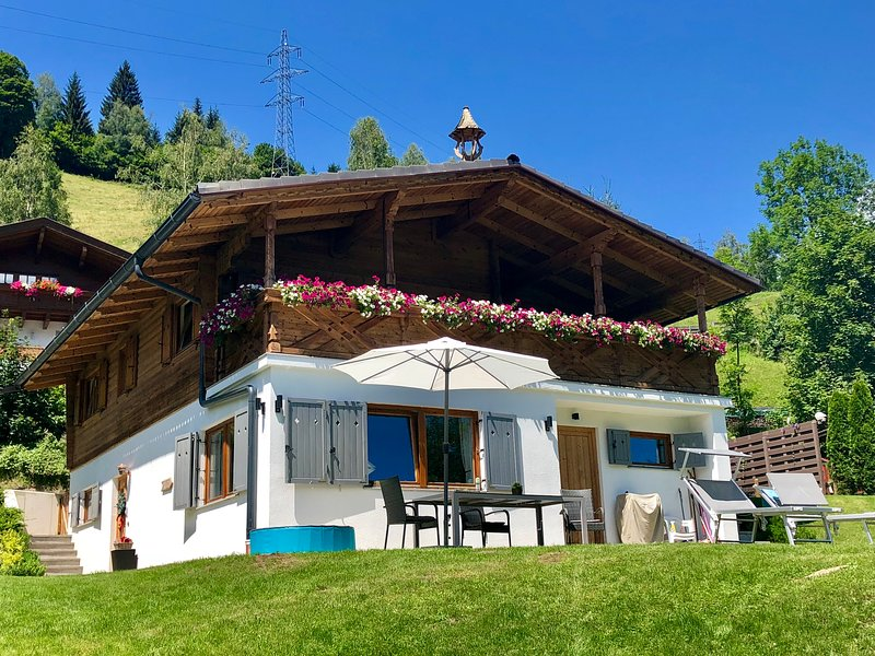 Chalet Kaprun (Deluxe) ****(s), holiday rental in Kaprun