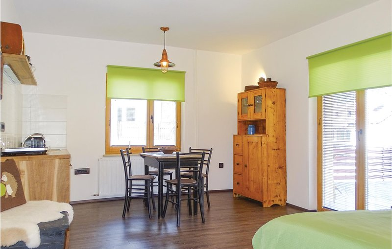Nice home in Luce with WiFi and 0 Bedrooms (SSR128), location de vacances à Mozirje