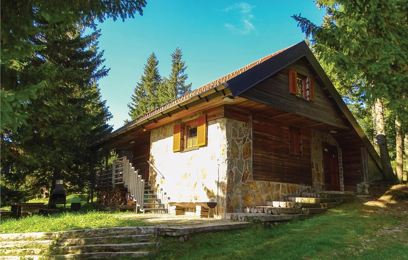 Amazing home in Zrece with WiFi and 2 Bedrooms (SSR153), holiday rental in Carinthia Region