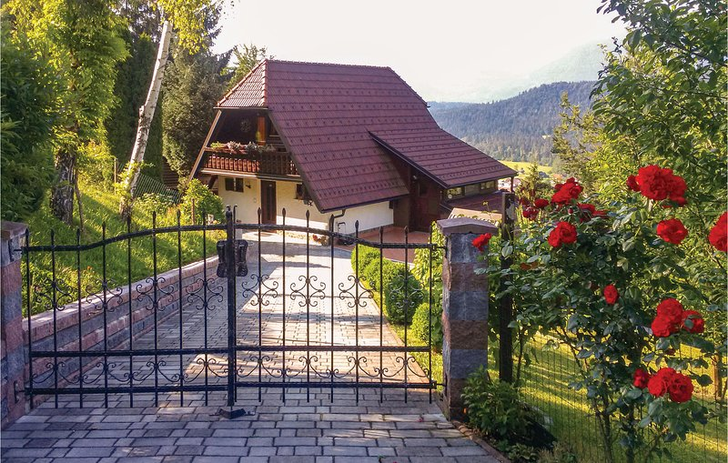 Stunning home in Ljubno ob Savinji with Sauna, WiFi and 2 Bedrooms (SSR154), casa vacanza a Braslovce
