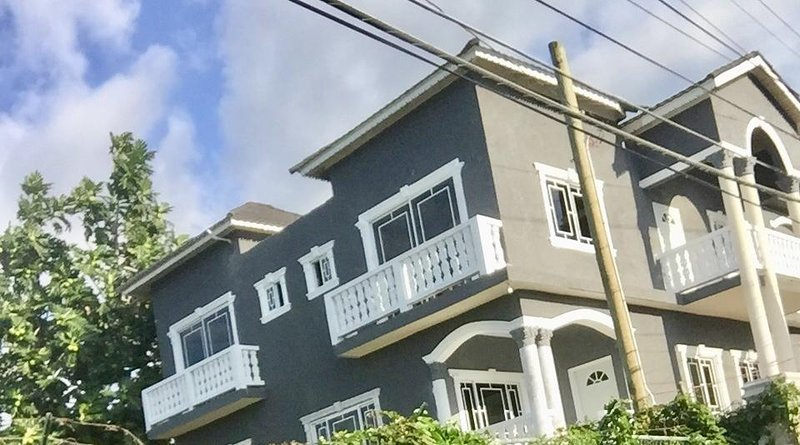 Ocean View 3 bd/ 3 ba! Pool ! Walk 2 beach!, location de vacances à Sandy Bay