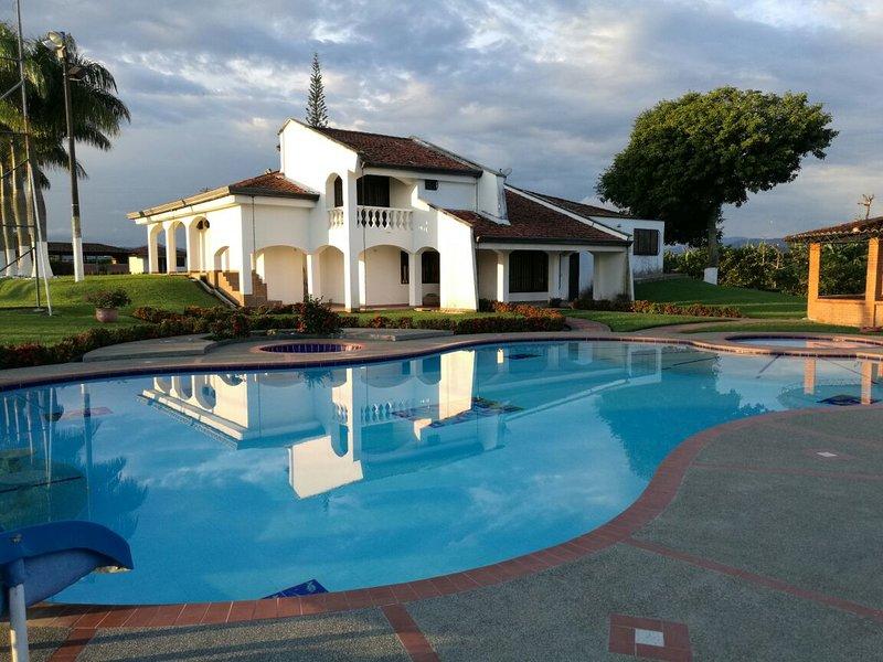 FINCA VILLA JUANITA, location de vacances à Département de Risaralda