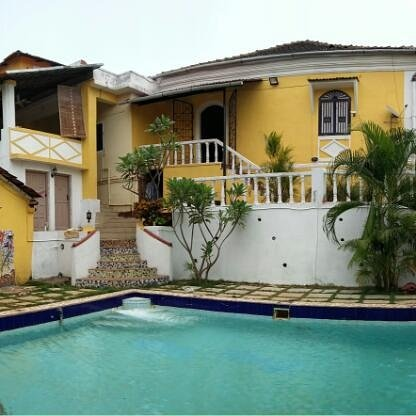Portuguese pool villa in North goa pet friendly, holiday rental in Sawantwadi