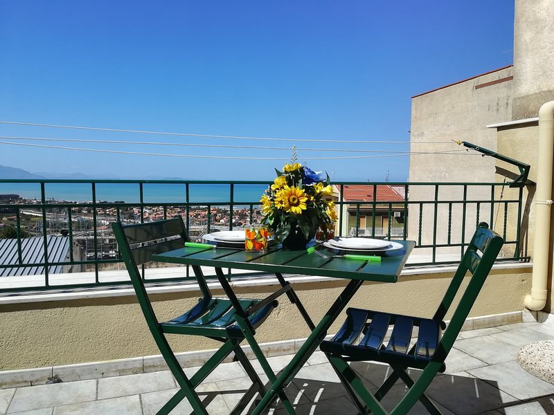 City house, holiday rental in Campofelice di Roccella
