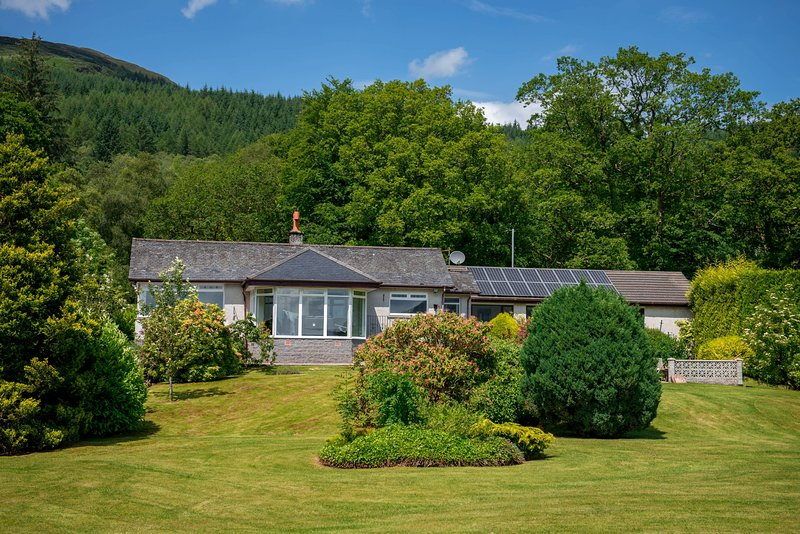 Shore House, holiday rental in Tarbet