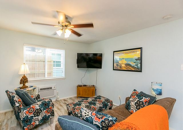 Winter Retreat w/ Outdoor Space & Ping-Pong - Near Downtown & Beach, location de vacances à Port Aransas